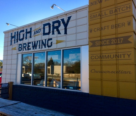 The front of High and Dry Brewing